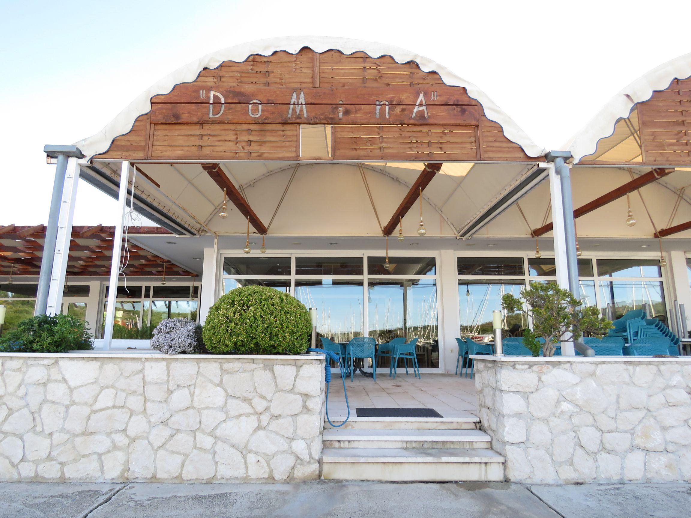 Restaurant Domina - Kremik Marina
